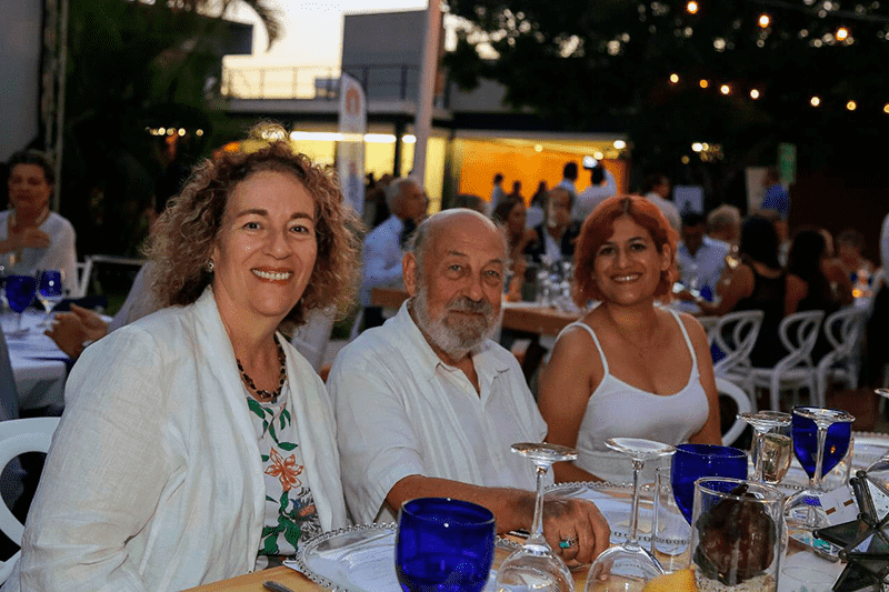 Diabetes Prevention Event: Dr. Leslie Korn, her husband Dr. Rudolph Rÿser and Fátima Mora.